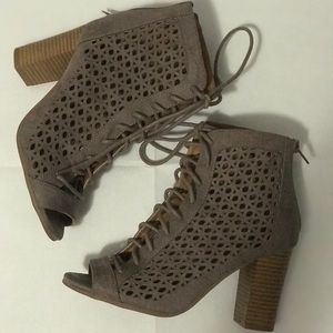 Qupid Taupe Lace up Heals